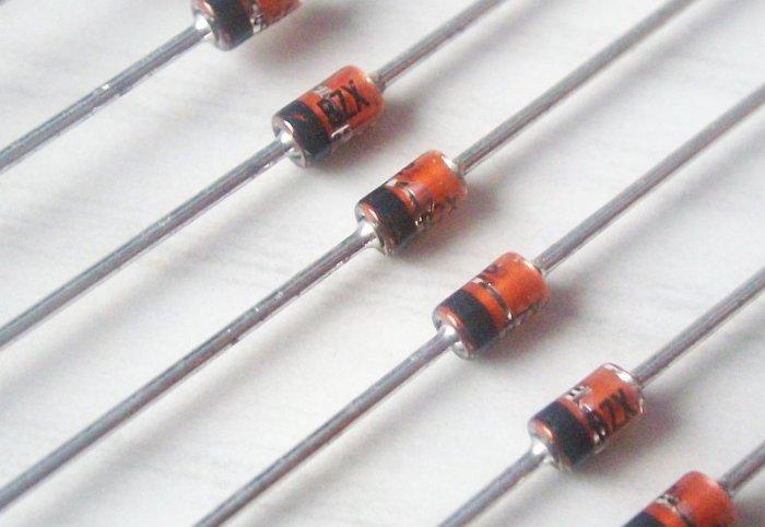 Z-Diode 4,7 V / 1,3 W